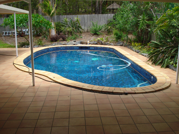 Master bedroom for griffith university students parkwood - University of queensland swimming pool ...